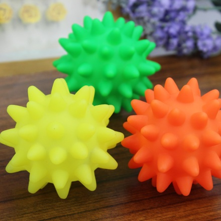 Free-Shipping-Dog-toys-pet-toy-vocalization-sphere-colorful-rubber-vocalization-sea-urchin-ball-rubber-ball